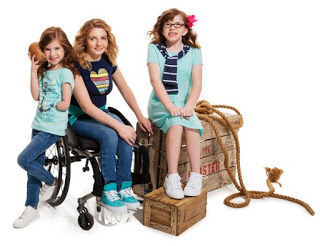Runway of Dreams y Tommy Hilfigher lanzan una colección de ropa adaptada para niños con discapacidad.