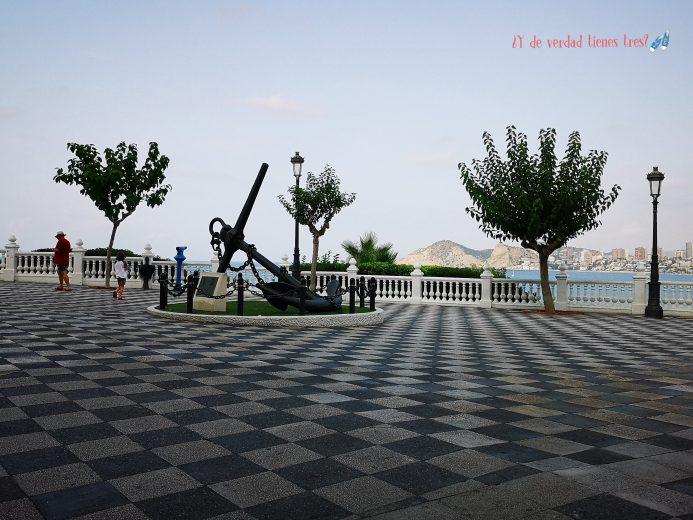 Plaza del castillo cañones