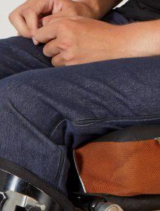 Pantalón Kiabi y A&K classics. Ropa adaptada