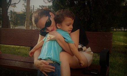 #MIÉRCOLESMUDO. Abrazando el Autismo