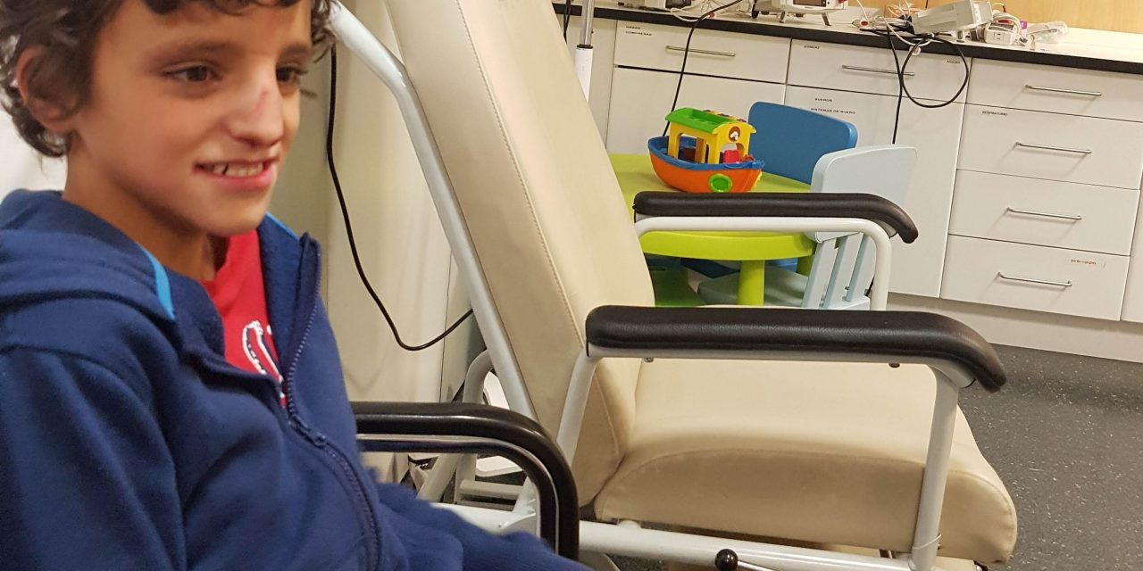 Fractura nasal y atención en urgencias de un paciente con TEA